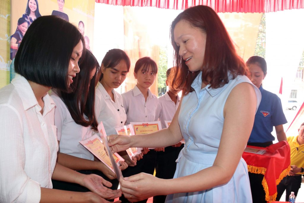 A Brighter Path - Scholarship award ceremony for 147 ethnic minority students in Dong Nai